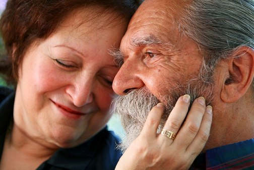 happy-over-50-dating-couple1
